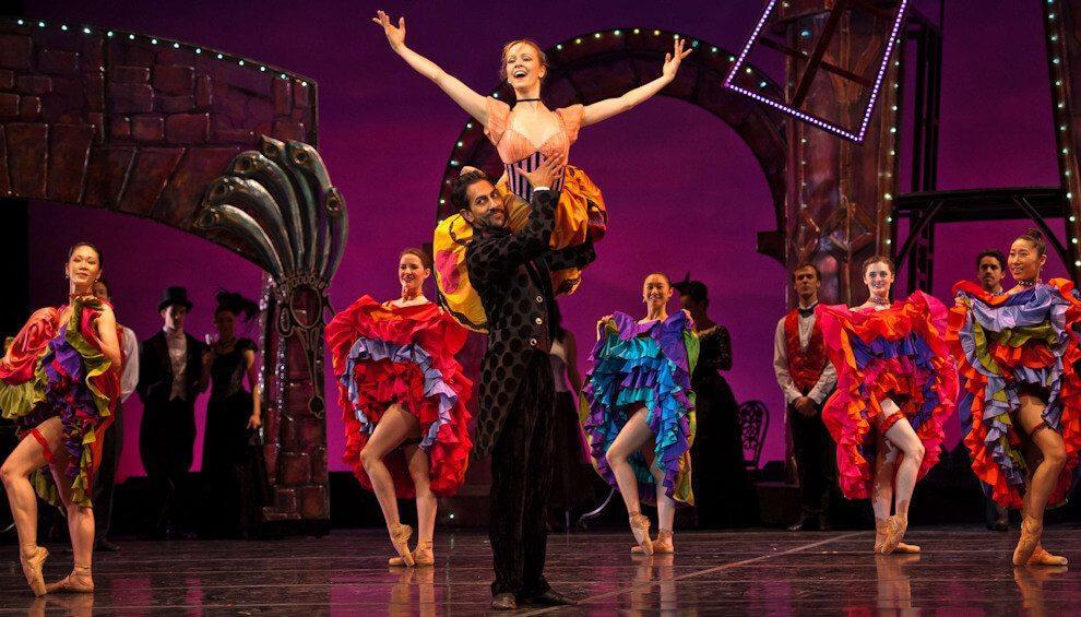 Spektakl w Moulin Rouge