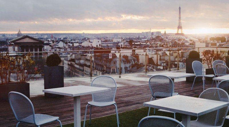 Luksusowe hotele z widokiem na wieżę Eiffla
