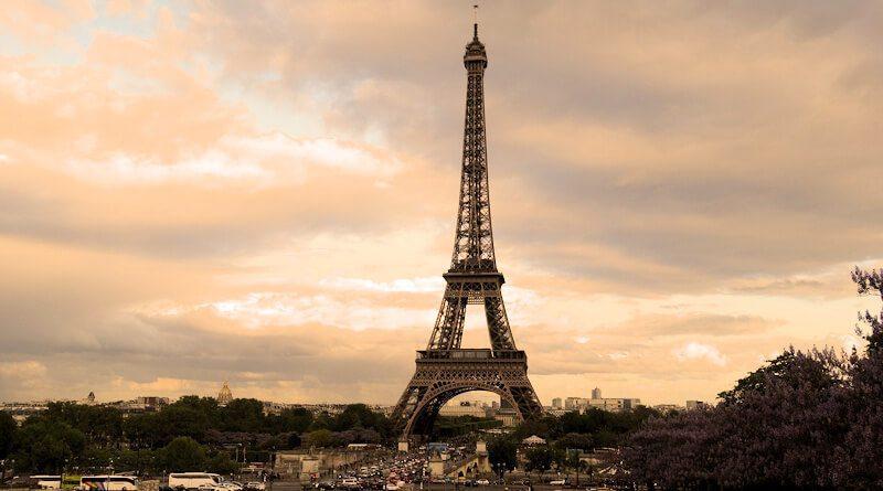 Wieża Eiffla – żelazny punkt programu