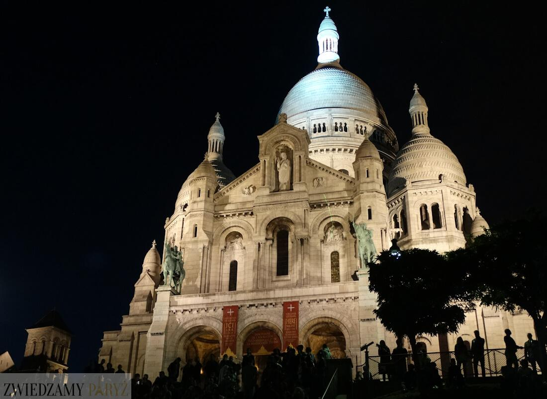 Bazylika Sacre Coeur w Paryżu po zmierzchu