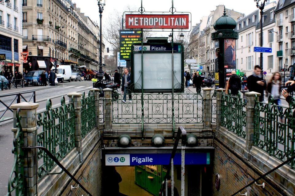 Pigalle metro Paryż