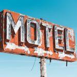 Jak znaleźć tanie hotele?