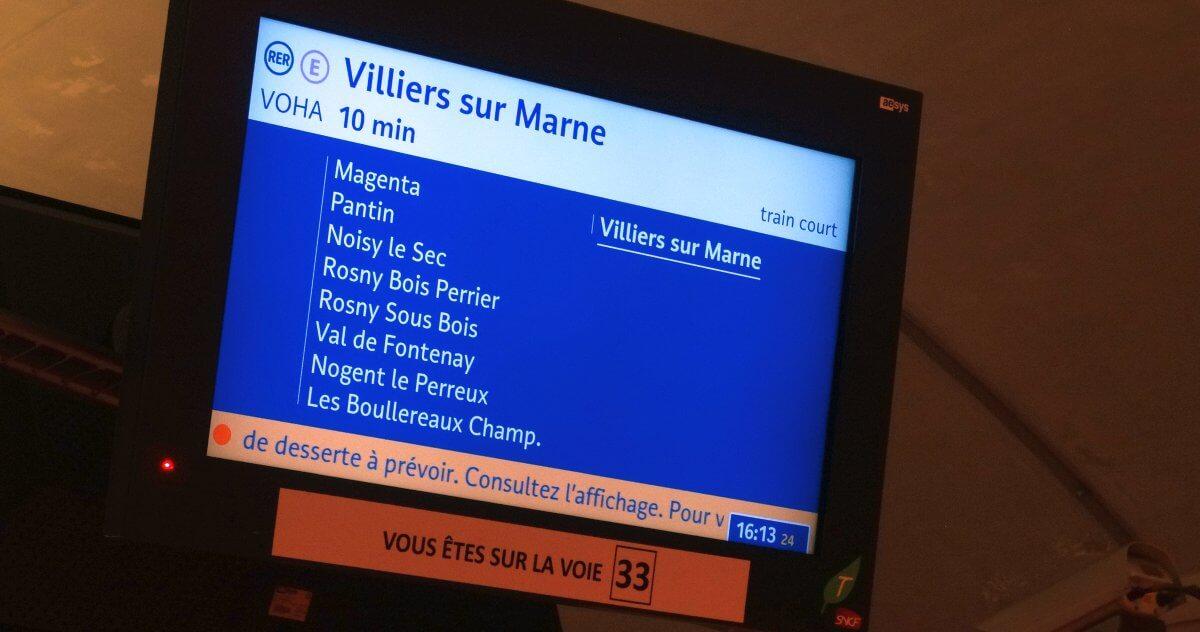 RER w Paryżu - tablica informacyjna