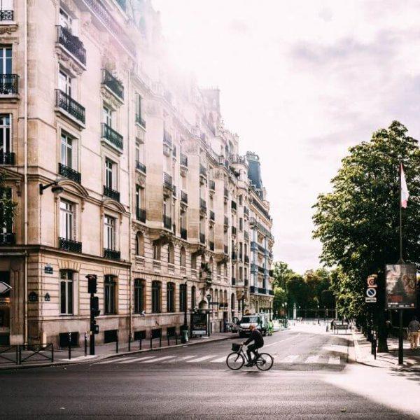 Przeprowadzka do Paryża – spełnienie marzeń o mieście zakochanych